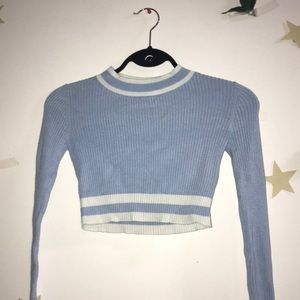 🦋Preppy baby blue & white cropped long sleeve